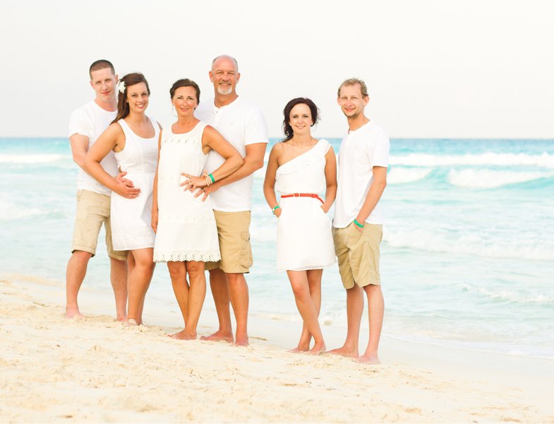 Monica Lopez Photography - Haugen + Hildebrand - Cancun Family Photography