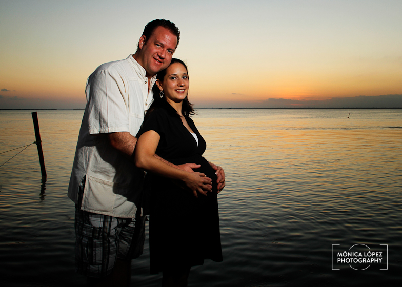 Monica Lopez Photography - Liss Maternity Photos in Cancun