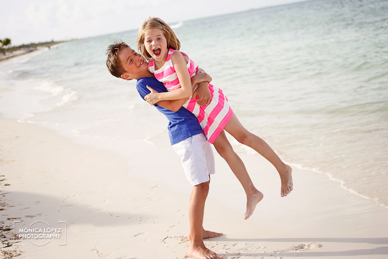 Cancun Family Portraits at The Beloved Hotel by Monica Lopez Photography (3)