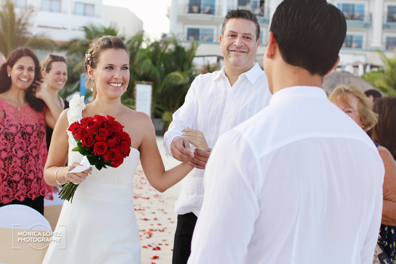 Tatiana and Adrián, Wedding at Hotel Flamingo, Cancún, México (14)