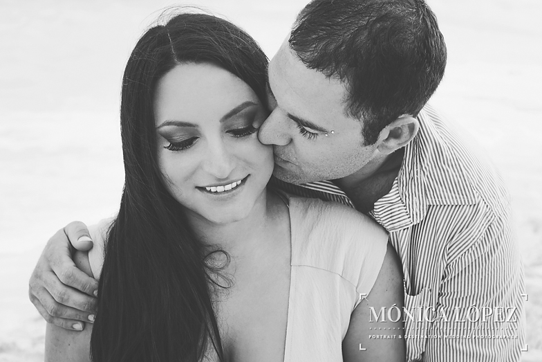 Beach Engagement Session at ME by Melia Cancun (7)
