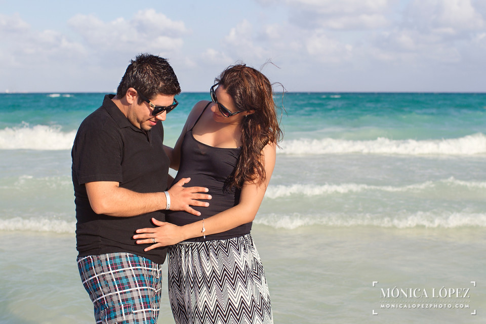 Playa del Carmen Maternity Portraits by Monica Lopez Photography