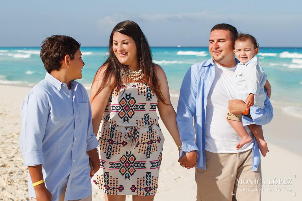 Family Beach Portraits at Fiesta Americana Condesa