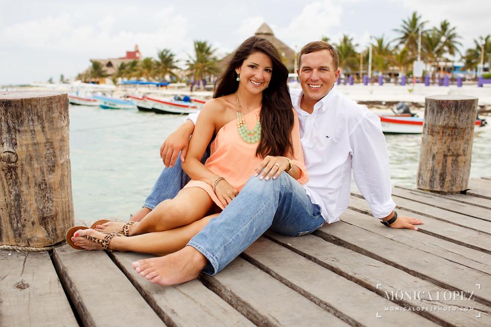 Puerto Morelos Engagement Portraits