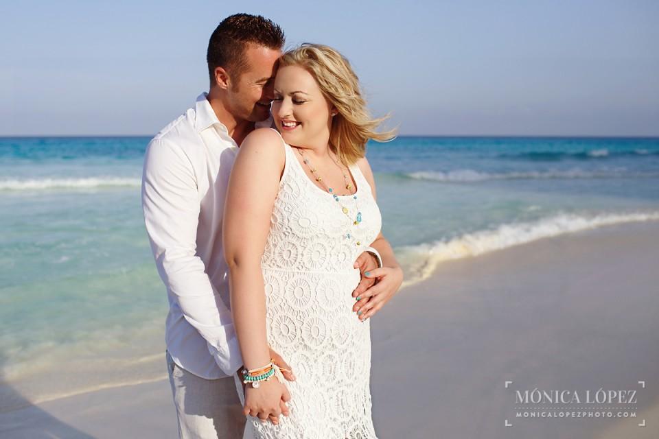 Cancun Romantic Portraits in ME Cancun - Diana + Zach