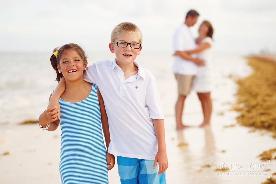 Dreams Riviera Cancun Family Portraits