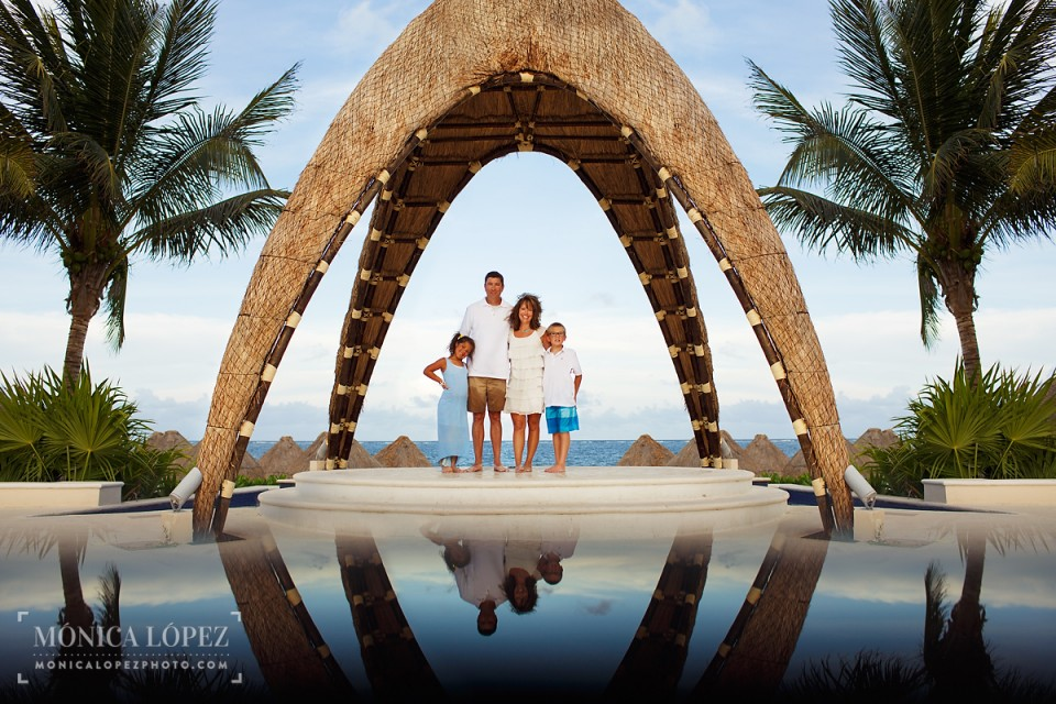 Dreams Riviera Cancun Family Portraits
