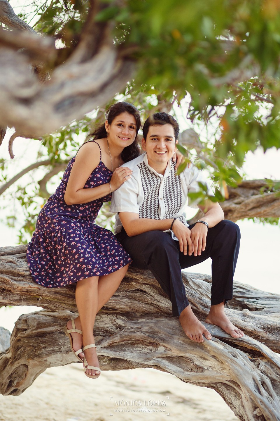 Engagement Portraits in Cancun by Monica Lopez Photography