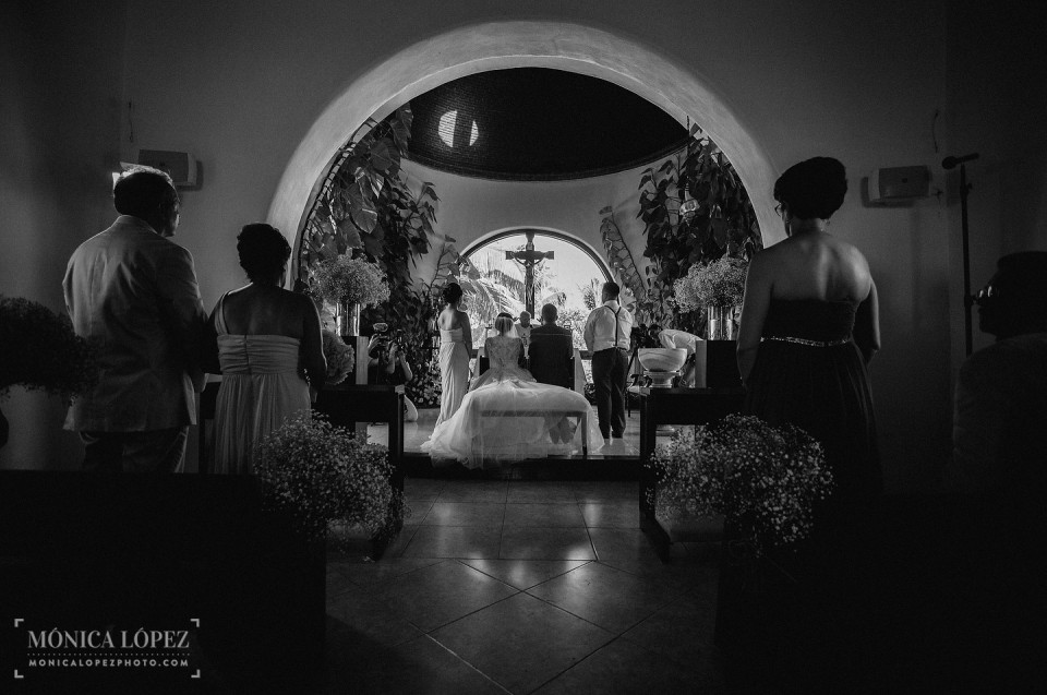 Destination Wedding at Dreams Riviera Cancun by Monica Lopez Photography