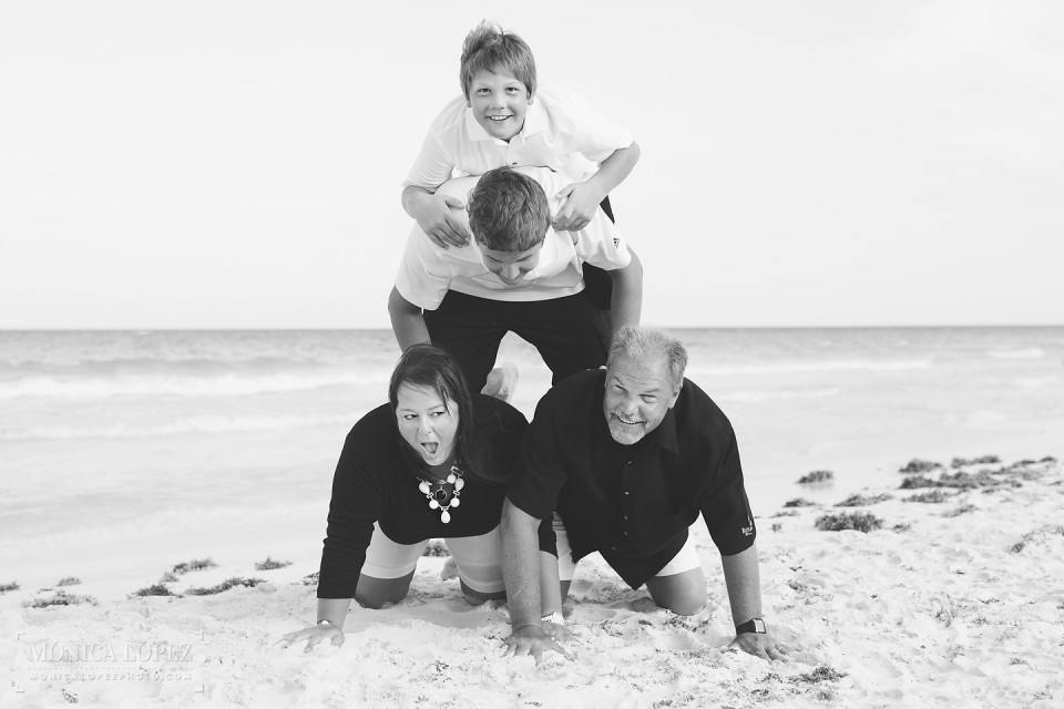 Cancun Family Portraits by Monica Lopez Photography