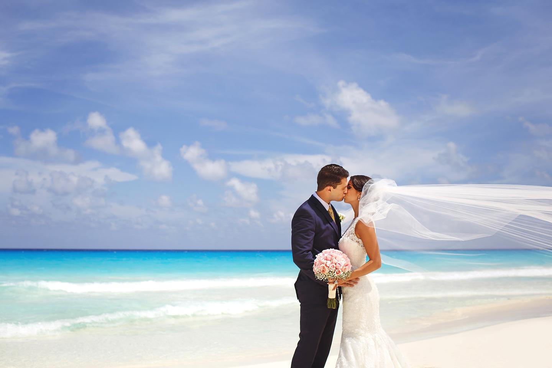 Destination Wedding At Gran Caribe Real Resort Spa Nicole Eric