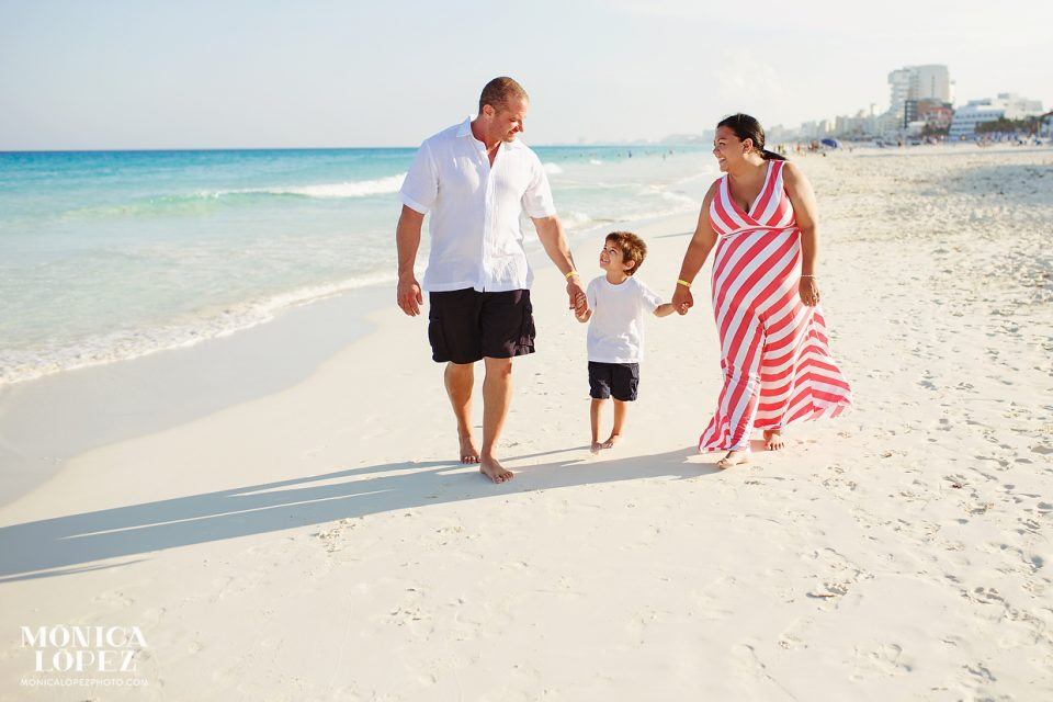 Family Beach Portraits at Cancun, Mexico - The Silver's