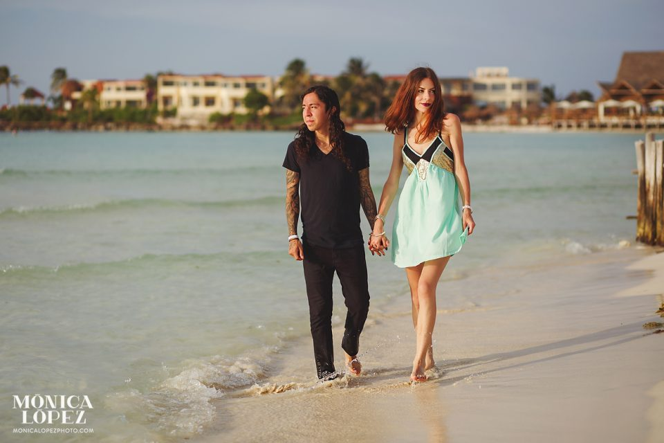 Isla Mujeres Romantic Portraits by Monica Lopez Photography