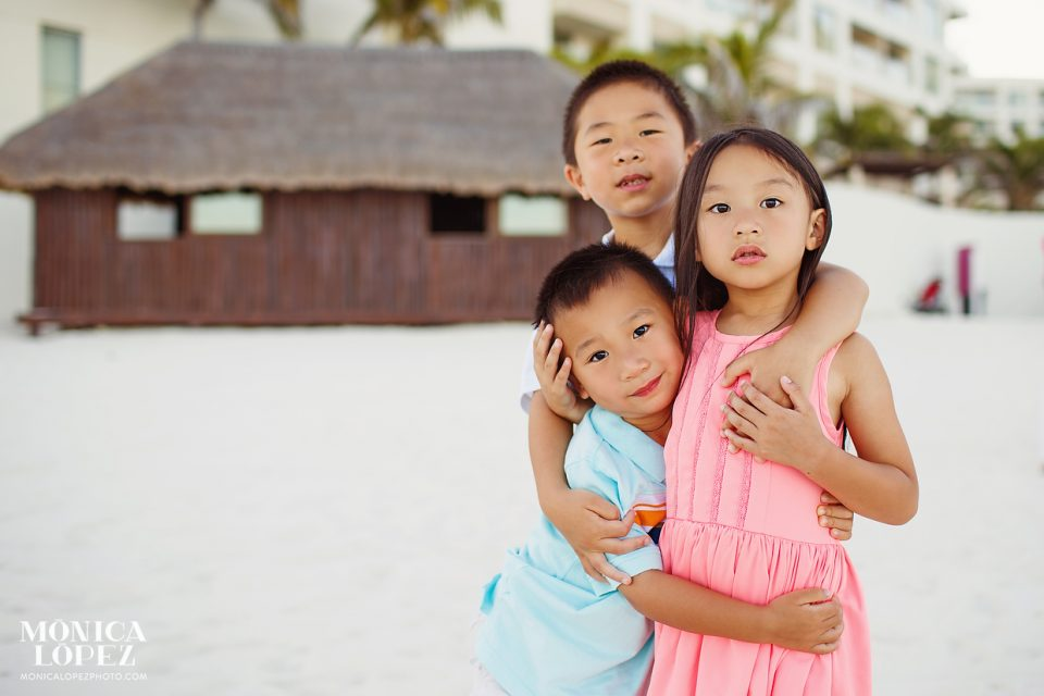 Westin Lagunamar Family Beach Portraits by Monica Lopez Photography
