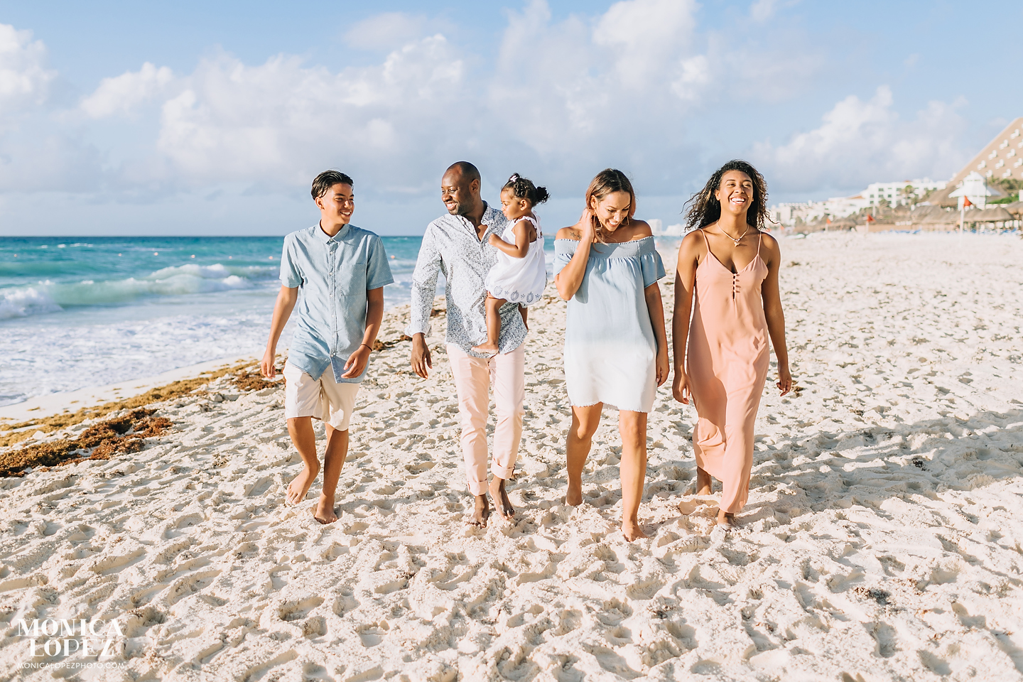 What to Wear Beach Family Sessions by Monica Lopez Photography