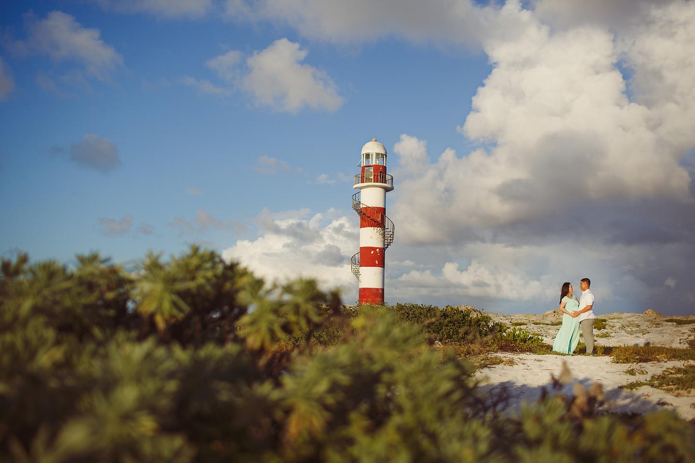 Hyatt Ziva Cancun Maternity Portraits by Monica Lopez Photography