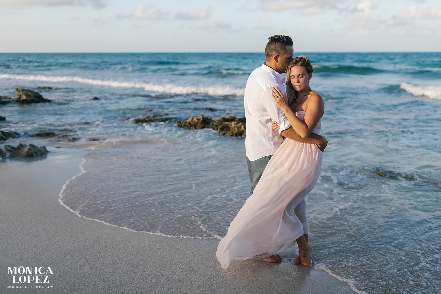 What to Wear Beach Couples Sessions by Monica Lopez Photography