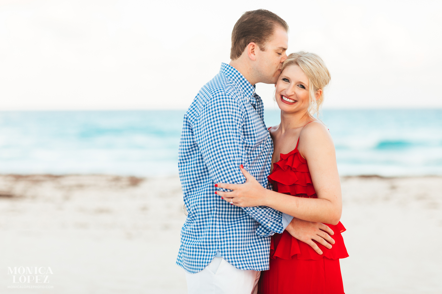 Ritz Carlton Cancun Engagement Photographer - Monica Lopez Pohotography