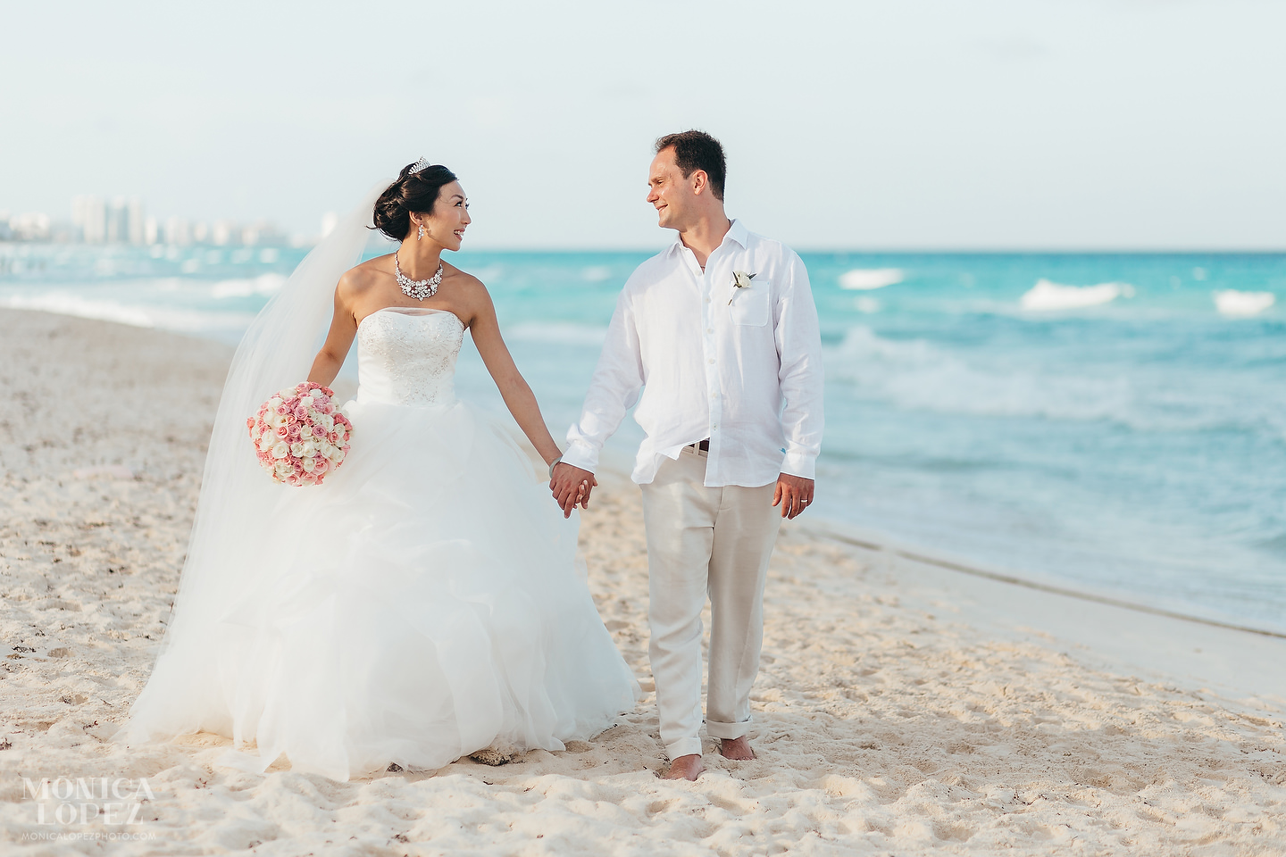 Marriott Cancun Wedding by Monica Lopez Photography